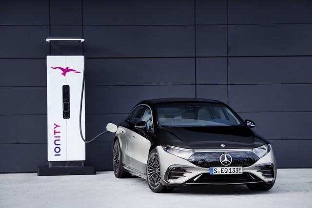 Mercedes-Benz sắp chia tay động cơ đốt trong, bỏ lại BMW lẻ loi trong bộ 3 xe sang nổi danh nước Đức - Ảnh 1.
