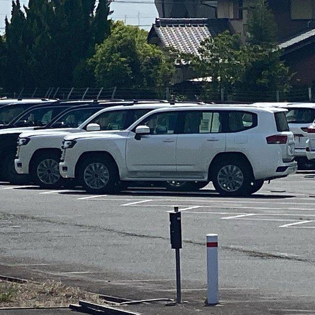 Toyota Land Cruiser đời mới liên tục lộ diện: Mẫu SUV Nhật Bản nhiều khách hàng mong chờ - Ảnh 2.