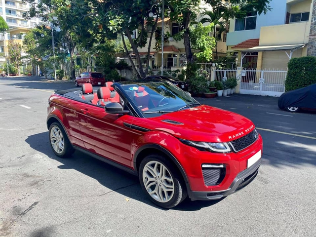 Mới chạy 900km, đại gia Việt rao bán Range Rover Evoque mui trần hiếm nhất nhì Việt Nam giá 3,4 tỷ đồng - Ảnh 1.