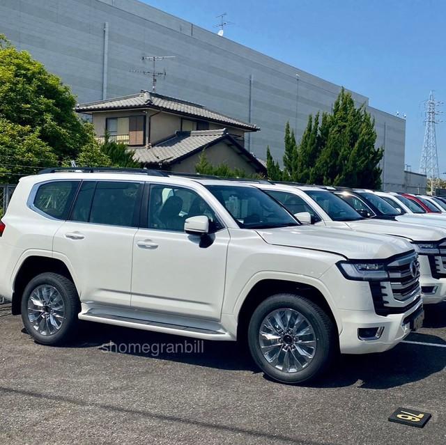 Toyota Land Cruiser đời mới liên tục lộ diện: Mẫu SUV Nhật Bản nhiều khách hàng mong chờ - Ảnh 6.