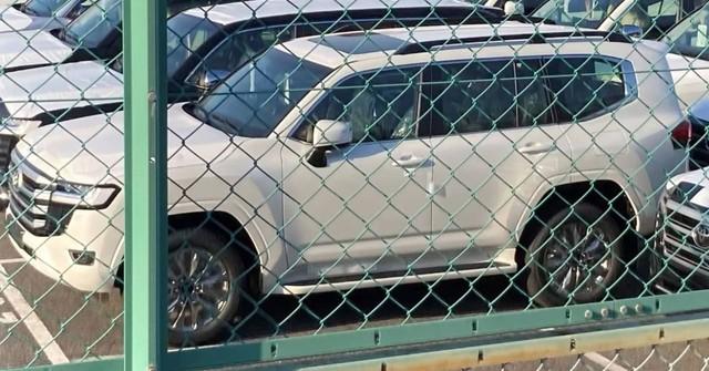 Toyota Land Cruiser đời mới liên tục lộ diện: Mẫu SUV Nhật Bản nhiều khách hàng mong chờ - Ảnh 8.