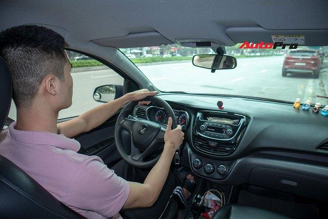 Nam sinh 98 Hà Nội mua VinFast Fadil chạy dịch vụ hơn 100.000km đánh giá: Đi sướng hơn Vios, i10 nhưng còn nhược điểm khi chở khách - Ảnh 12.
