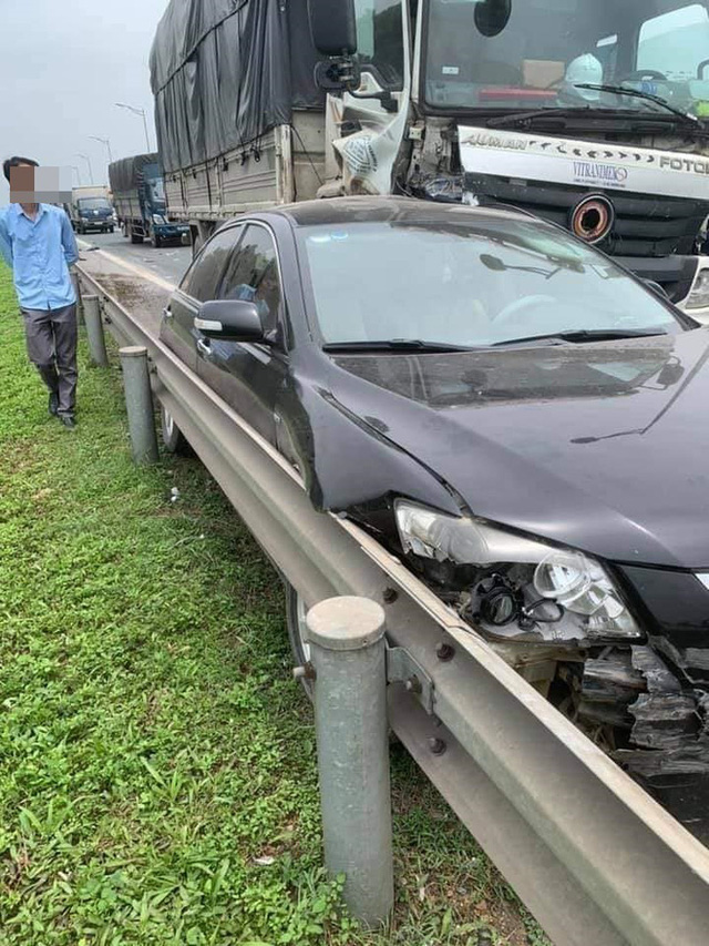 Chủ Camry vừa đăng bán xe, vài tiếng sau đã gặp tai nạn kinh hoàng trên cao tốc - Ảnh 3.