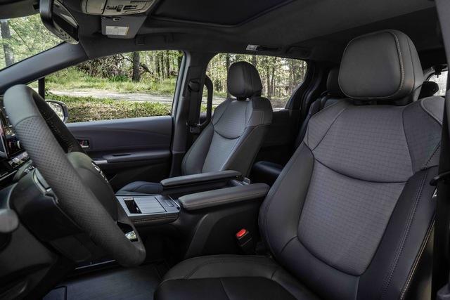 Toyota Sienna 2021 thêm phiên bản cho người mê phượt: Nâng gầm, dẫn động 4 bánh, bổ sung đồ chơi thể thao - Ảnh 5.