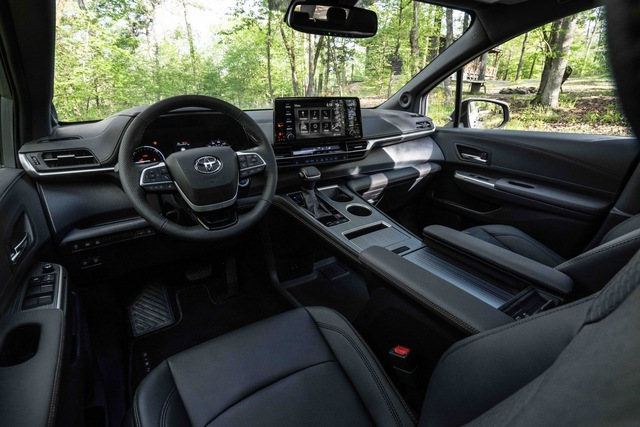 Toyota Sienna 2021 thêm phiên bản cho người mê phượt: Nâng gầm, dẫn động 4 bánh, bổ sung đồ chơi thể thao - Ảnh 4.