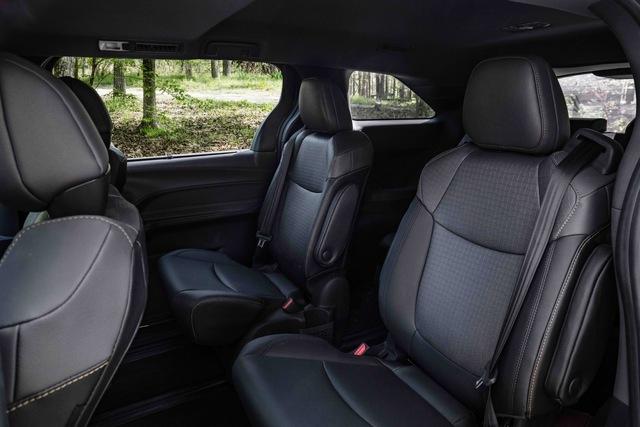 Toyota Sienna 2021 thêm phiên bản cho người mê phượt: Nâng gầm, dẫn động 4 bánh, bổ sung đồ chơi thể thao - Ảnh 7.