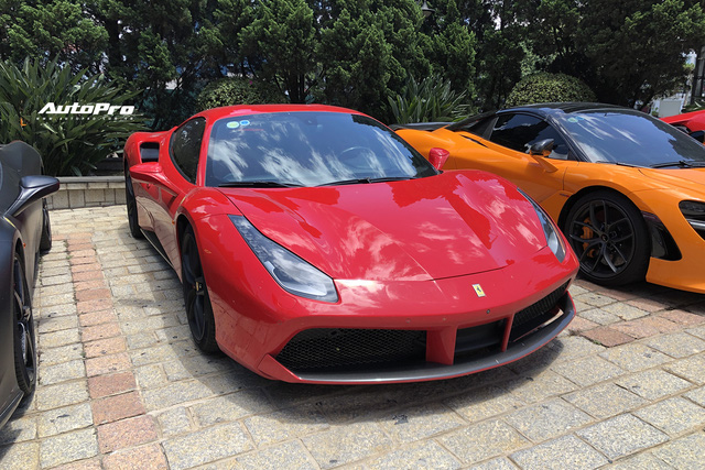 Dàn siêu xe trăm tỷ sặc sỡ hội ngộ tại Đà Lạt, Ferrari F8 Tributo của nữ đại gia trẻ mới sắm cũng góp mặt - Ảnh 6.