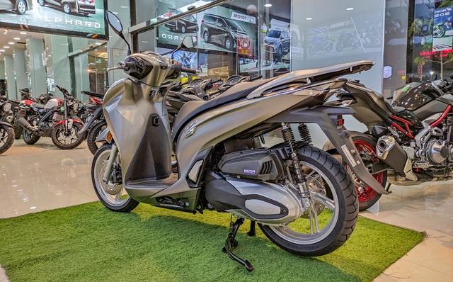 Chi tiết Honda SH 350i đầu tiên tại Việt Nam: Giá hơn 360 triệu đồng, lô đầu chỉ có 5 chiếc - Ảnh 8.