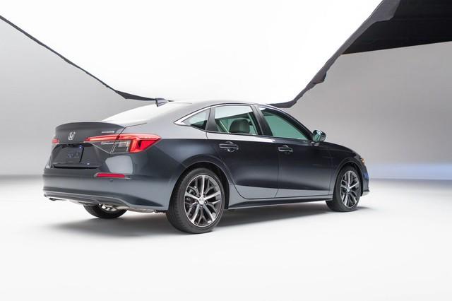 Chi tiết Honda Civic 2022 ngoài đời thực: Sang chảnh hơn, giảm chất thể thao, thêm nhiều trang bị bắt kịp thời đại, phả hơi nóng lên Mazda3 - Ảnh 11.