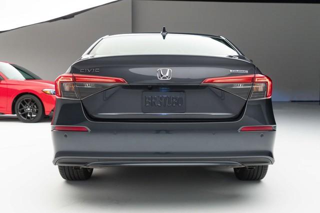 Chi tiết Honda Civic 2022 ngoài đời thực: Sang chảnh hơn, giảm chất thể thao, thêm nhiều trang bị bắt kịp thời đại, phả hơi nóng lên Mazda3 - Ảnh 16.