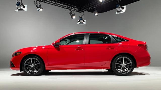 Chi tiết Honda Civic 2022 ngoài đời thực: Sang chảnh hơn, giảm chất thể thao, thêm nhiều trang bị bắt kịp thời đại, phả hơi nóng lên Mazda3 - Ảnh 3.