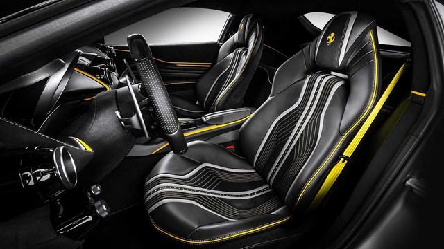 Ferrari 812 Superfast độ nội thất vàng đen hút mắt - Gợi ý hoàn hảo cho đại gia Việt - Ảnh 3.