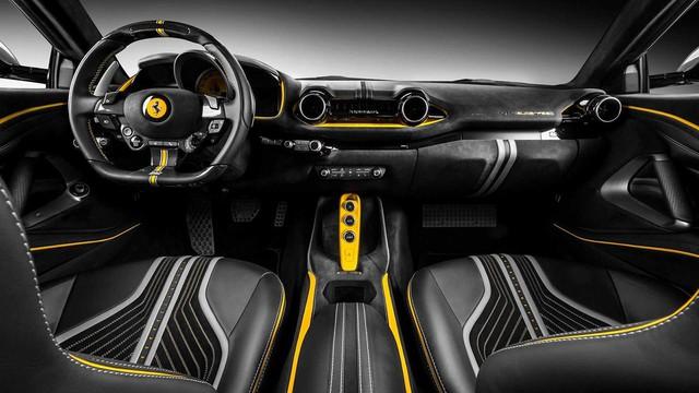 Ferrari 812 Superfast độ nội thất vàng đen hút mắt - Gợi ý hoàn hảo cho đại gia Việt - Ảnh 2.