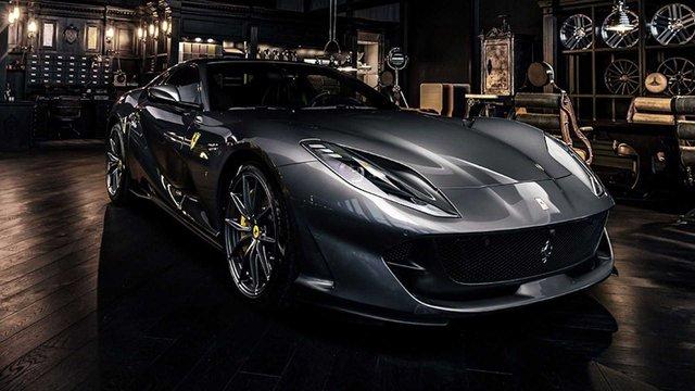 Ferrari 812 Superfast độ nội thất vàng đen hút mắt - Gợi ý hoàn hảo cho đại gia Việt - Ảnh 1.