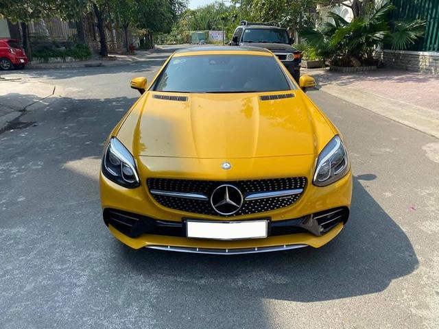 Trải nghiệm Mercedes-Benz SLC 43 kiểu dân chơi: Bán lại giá 3,2 tỷ sau 300km, nội thất chưa bóc hết nilon - Ảnh 1.
