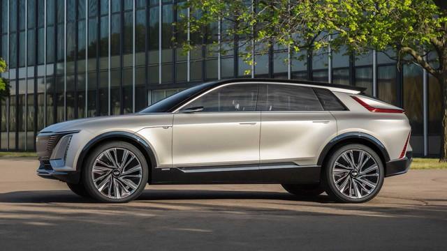Lộ diện Cadillac Lyriq phiên bản cận hoàn thiện cạnh tranh Porsche Macan, Mercedes EQC và Audi E-Tron - Ảnh 2.