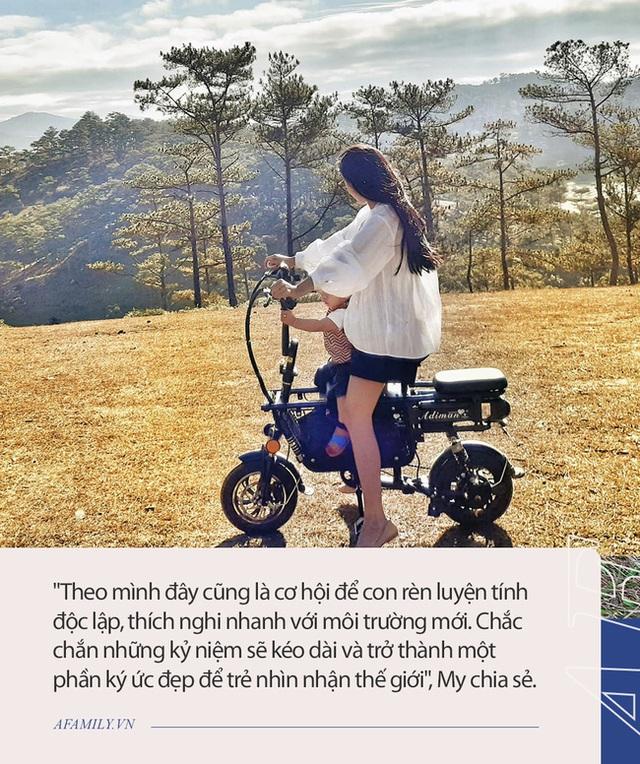 Cap vo chong chiu choi nhat Viet Nam Cai tao o to cu thanh nha dua con 8 thang di phuot tu Bac chi Nam quan diem day con cang dang nguong mo