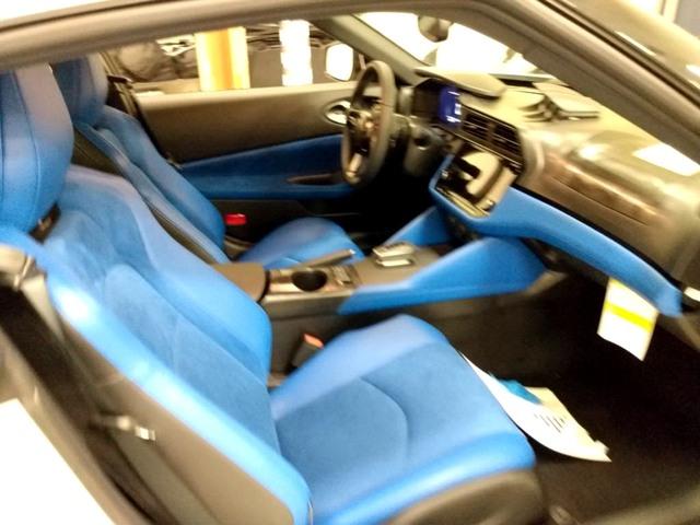 Nissan Z lộ nội thất trước ngày ra mắt: Xe thể thao đáng để đại gia Việt cân nhắc - Ảnh 2.