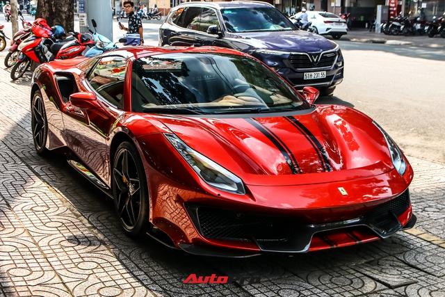 Cận cảnh Ferrari 488 Pista Spider thứ hai về Việt Nam: Nhiều chi tiết carbon gây ấn tượng về mặt thị giác - Ảnh 1.