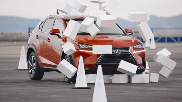 Lexus tổ chức buổi lái thử kỳ lạ khiến người tham gia 'đau tim' - Ảnh 2.