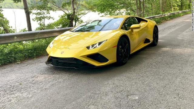 Doanh số bán Bentley và Lamborghini bùng nổ do giới giàu đang cảm thấy nhàm chán - Ảnh 1.