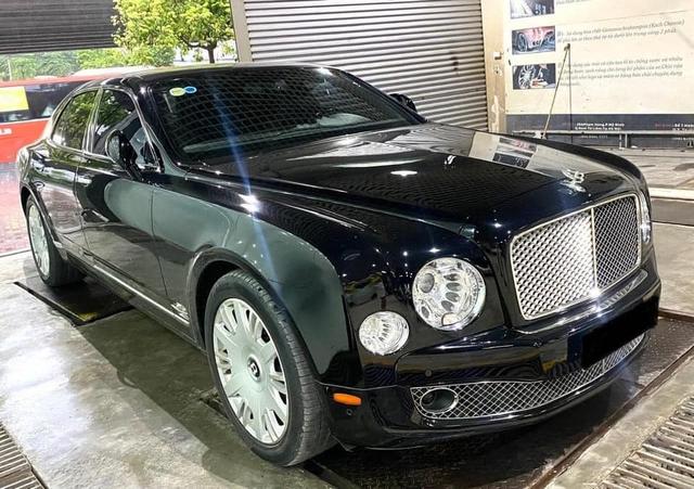 Qua thời đỉnh cao, Bentley Mulsanne xuống giá còn hơn 7 tỷ đồng dù chỉ chạy 2.200km/năm - Ảnh 1.