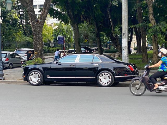 Qua thời đỉnh cao, Bentley Mulsanne xuống giá còn hơn 7 tỷ đồng dù chỉ chạy 2.200km/năm - Ảnh 5.