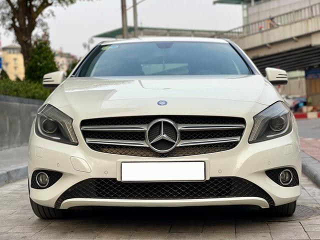 Mới chạy 50.000km, chiếc Mercedes-Benz nhập khẩu này có giá thấp hơn cả Toyota Yaris - Ảnh 1.