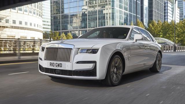 Bất chấp dịch bệnh, rất nhiều đại gia mạnh tay mua Rolls-Royce Cullinan và Ghost đầu năm 2021