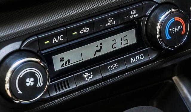 Toyota Raize 2021 rục rịch về Việt Nam: Đàn em Corolla Cross, đấu Kia Sonet để mở phân khúc mới - Ảnh 8.