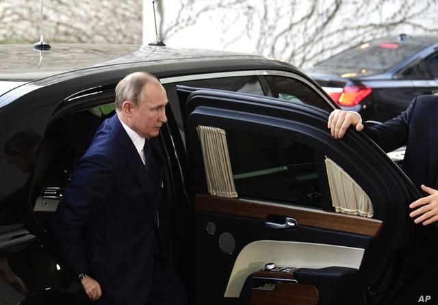 Chiếc xe gấu Nga dành cho tổng thống Putin: Thế giới choáng ngợp! - Ảnh 5.