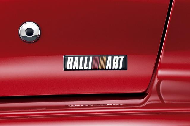 Mitsubishi hồi sinh thương hiệu Ralliart: Triton sẽ có bản đấu Ford Ranger Raptor - Ảnh 3.