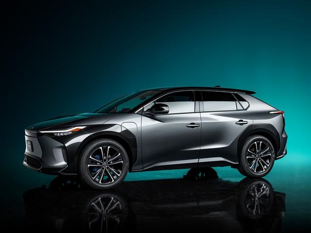 SUV mới của Toyota ngang RAV4 sẽ ra mắt ngay năm nay: Hết nói Toyota thiết kế nhàm chán  - Ảnh 1.