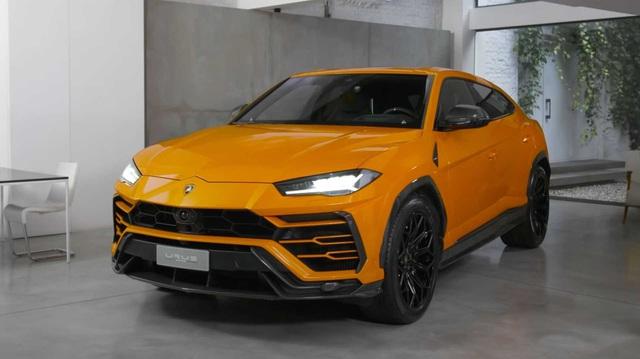 Những đại gia Việt sở hữu Lamborghini Urus ắt hẳn sẽ ưa thích gói trang bị mới với giá hơn 4,8 tỷ đồng này