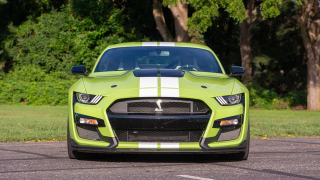 Để lấy danh hiệu xe thể thao bán chạy nhất thế giới, Ford Mustang phải đánh đổi điều này - Ảnh 1.
