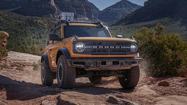Ford Bronco dùng hộp số 10 cấp của Explorer khiến khách hàng không hài lòng - Ảnh 1.