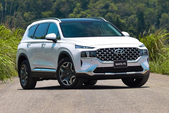 Thanh lý hàng tồn, Hyundai Santa Fe form cũ giảm cao nhất 140 triệu đồng tại đại lý - Ảnh 3.