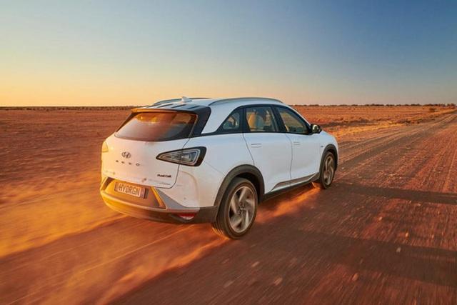 Mẫu ô tô Hyundai lập kỷ lục thế giới, chạy gần 900 km chỉ với 1 bình nhiên liệu nạp đầy - Ảnh 7.