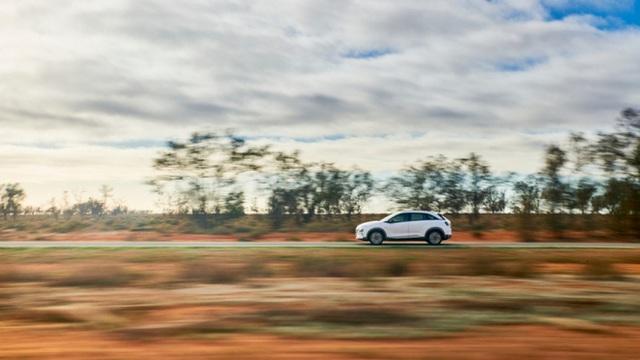 Mẫu ô tô Hyundai lập kỷ lục thế giới, chạy gần 900 km chỉ với 1 bình nhiên liệu nạp đầy - Ảnh 8.