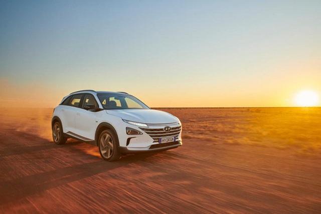 Mẫu ô tô Hyundai lập kỷ lục thế giới, chạy gần 900 km chỉ với 1 bình nhiên liệu nạp đầy - Ảnh 10.