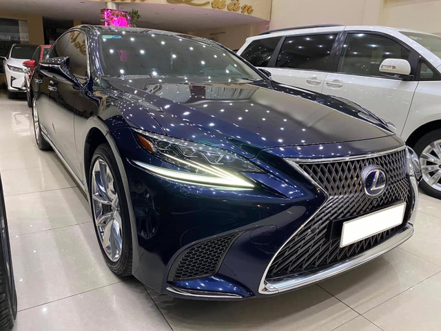 Mua 9 tỷ bán hơn 6 tỷ, chủ nhân Lexus LS 500h gánh khoản lỗ đủ tậu BMW X3 dù mới chạy 20.000km - Ảnh 1.