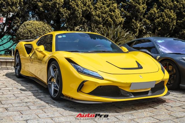 Ferrari F8 Spider của nữ doanh nhân cà phê 9x nâng cấp hàng loạt đồ chơi hàng hiệu - Ảnh 1.