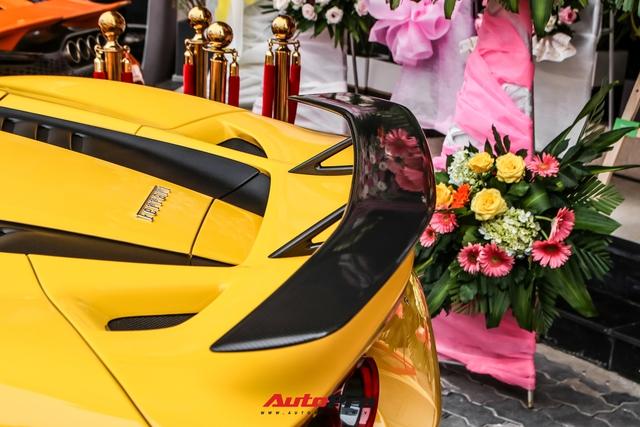Ferrari F8 Spider của nữ doanh nhân cà phê 9x nâng cấp hàng loạt đồ chơi hàng hiệu - Ảnh 6.