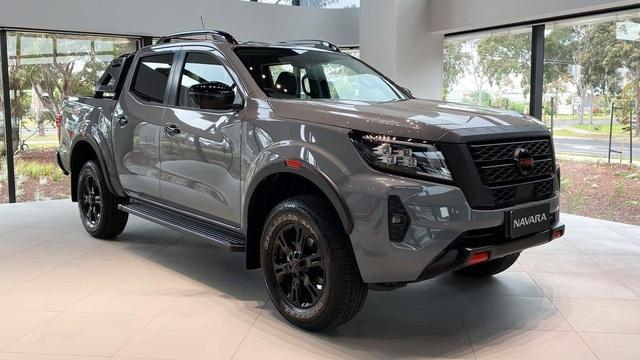 Nissan Navara 2021 vừa ra mắt Việt Nam có thể khan hàng vì lý do này