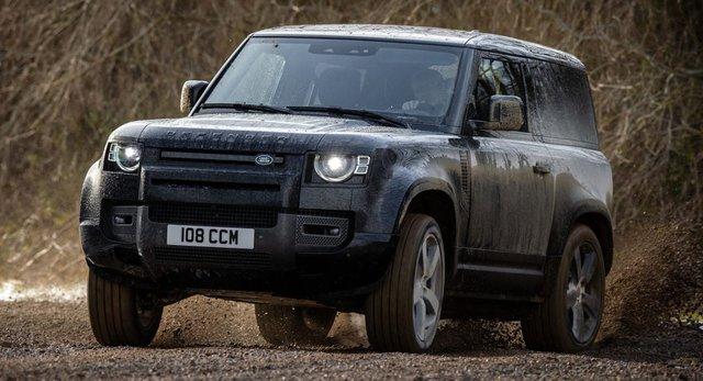 Người chê cứ chê nhưng Land Rover Defender đang cháy hàng, không đủ xe mà bán - Ảnh 1.