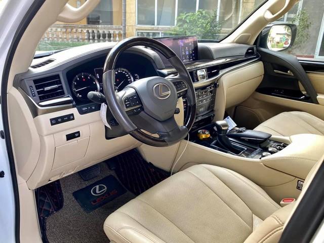Lexus LX 570 Super Sport hiếm hoi được rao bán: Khấu hao hàng tỷ đồng sau 5 năm nhưng vẫn đắt ngang BMW X7 đập hộp - Ảnh 4.