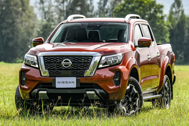 Đây là khác biệt giữa 4 bản Nissan Navara 2021 vừa ra mắt Việt Nam: Chọn full option hay mua bản tiêu chuẩn dư gần 200 triệu? - Ảnh 3.