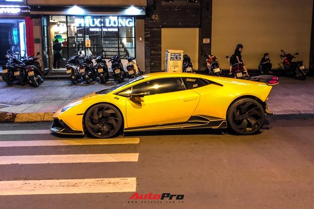 Lamborghini Huracan từng của doanh nhân Nguyễn Quốc Cường độ phong cách cởi truồng cực dị - Ảnh 6.