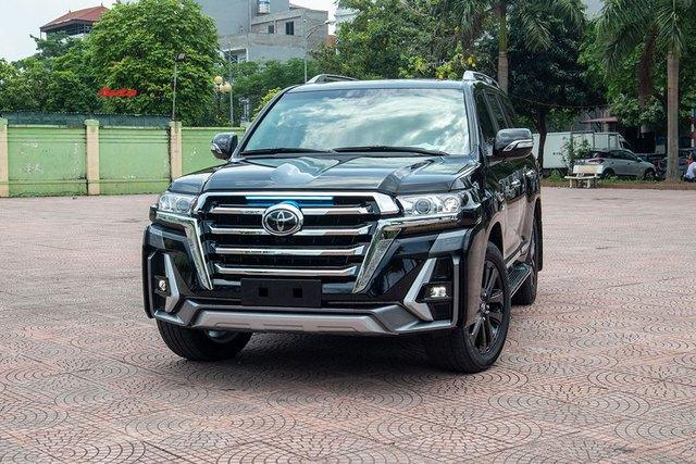 Vừa khui thùng Toyota Land Cruiser 2021, đại gia Việt chịu chơi chi hơn 500 triệu độ theo phong cách độc với lưới tản nhiệt khổng lồ như xe đời mới - Ảnh 6.