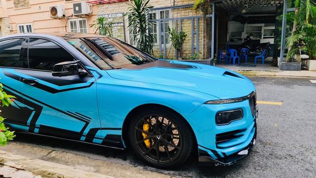 Chủ xe chi hơn 400 triệu độ VinFast Lux A2.0: Đèn pha phong cách Rolls-Royce, có chi tiết giống President - Ảnh 7.